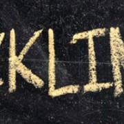 backlinks writtenn in gold on black background